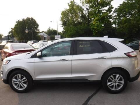 2015 Ford Edge for sale at Dave's Car Corner in Hartford City IN