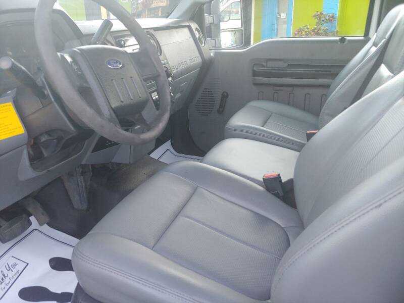 2012 Ford F-250 Super Duty 4x4 XL 2dr Regular Cab 8 ft. LB Pickup - Largo FL