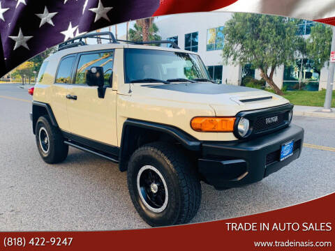 2010 Toyota FJ Cruiser for sale at Trade In Auto Sales in Van Nuys CA