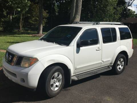 2006 Nissan Pathfinder for sale at HESSCars.com in Charlotte NC
