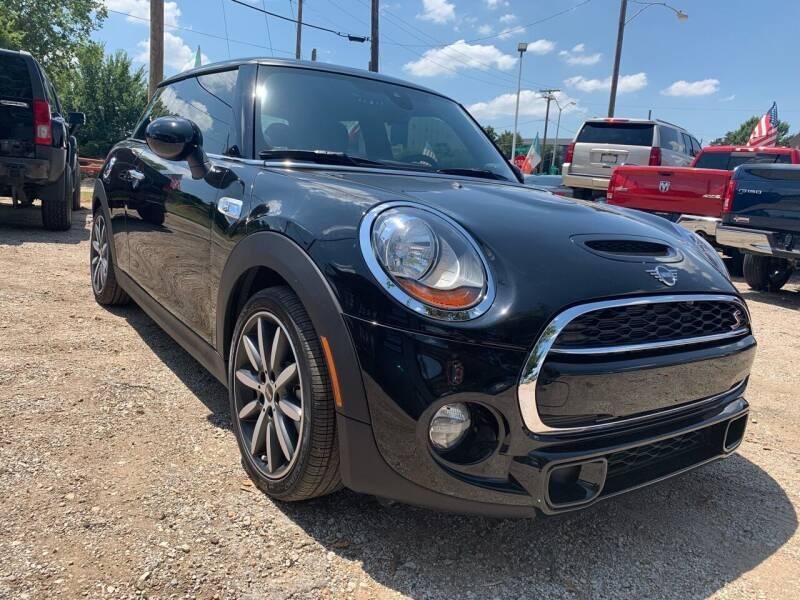 2019 MINI Hardtop 2 Door for sale at LLANOS AUTO SALES LLC in Dallas TX