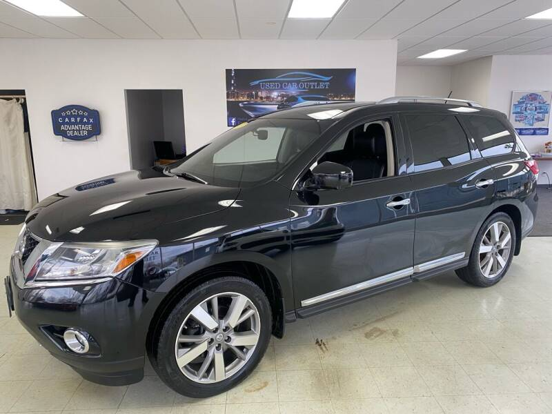 2013 Nissan Pathfinder for sale at Used Car Outlet in Bloomington IL