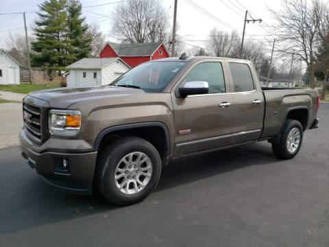 2015 GMC Sierra 1500 for sale at The Car Mart in Milford IN