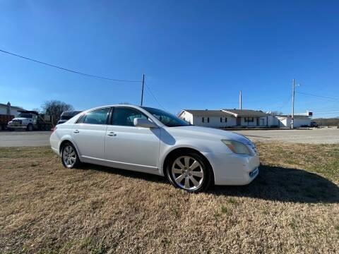 2005 Toyota Avalon for sale at Tennessee Valley Wholesale Autos LLC in Huntsville AL