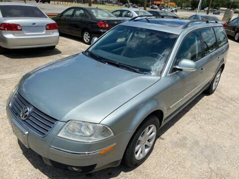 2004 Volkswagen Passat for sale at Cash Car Outlet in Mckinney TX