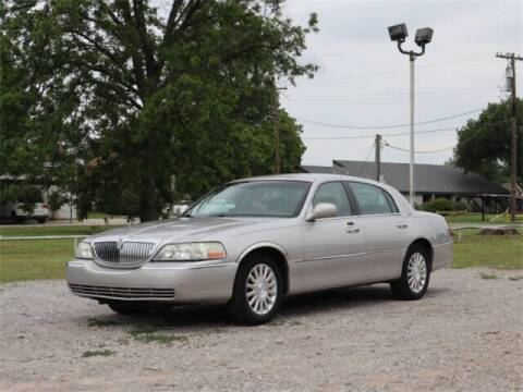 2003 Lincoln Town Car for sale at Bryans Car Corner in Chickasha OK