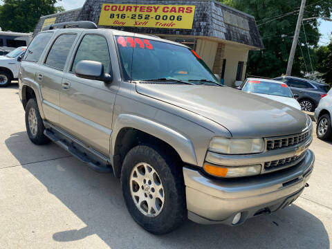 2002 Chevrolet Tahoe for sale at Courtesy Cars in Independence MO