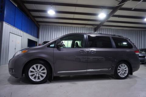 2012 Toyota Sienna for sale at SOUTHWEST AUTO CENTER INC in Houston TX