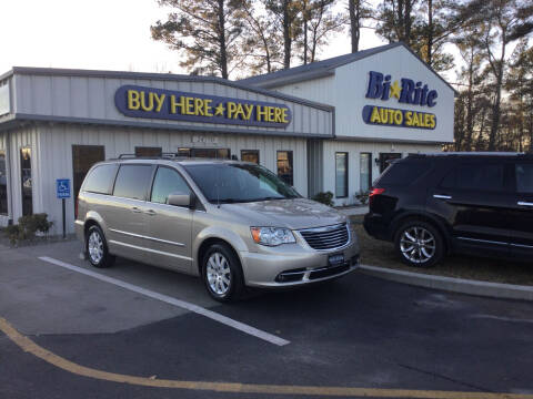 2015 Chrysler Town and Country for sale at Bi Rite Auto Sales in Seaford DE