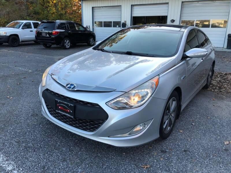 2011 Hyundai Sonata Hybrid for sale at Manny's Auto Sales in Winslow NJ