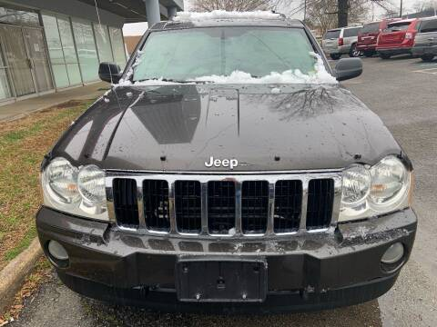 2005 Jeep Grand Cherokee for sale at Carz Unlimited in Richmond VA