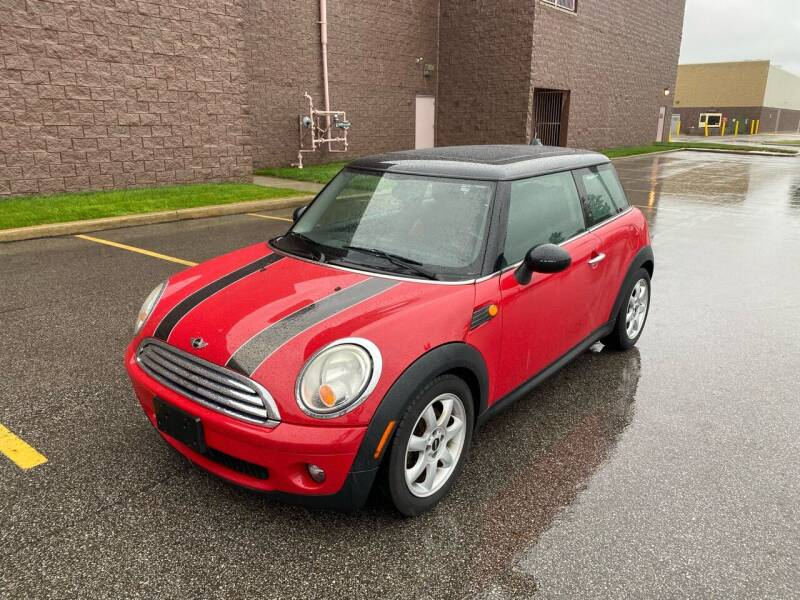 2009 MINI Cooper for sale at JE Autoworks LLC in Willoughby OH