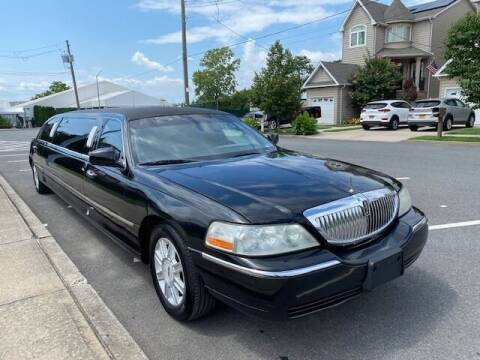 2008 Lincoln Town Car for sale at CarNYC.com in Staten Island NY