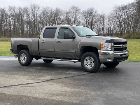 2009 Chevrolet Silverado 2500HD for sale at CMC AUTOMOTIVE in Roann IN