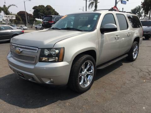 2007 Chevrolet Suburban for sale at Auto Max of Ventura in Ventura CA