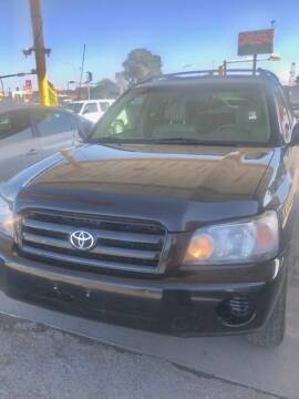2004 Toyota Highlander for sale at Fiesta Motors Inc in Las Cruces NM