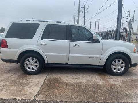 2005 Lincoln Navigator for sale at FAIR DEAL AUTO SALES INC in Houston TX