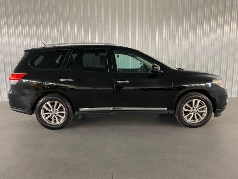 2014 Nissan Pathfinder for sale at ZoomAutoCredit.com in Elba NY