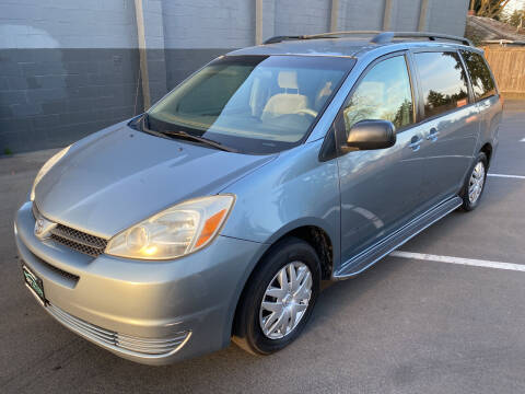 2005 Toyota Sienna for sale at APX Auto Brokers in Lynnwood WA