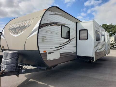 2016 Forest River Wildwood 31KQBTS for sale at Ultimate RV in White Settlement TX