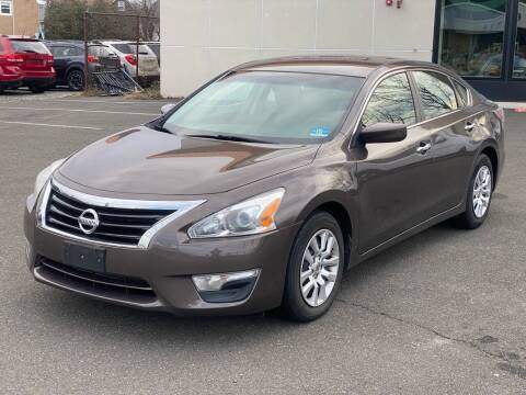 2015 Nissan Altima for sale at MAGIC AUTO SALES in Little Ferry NJ