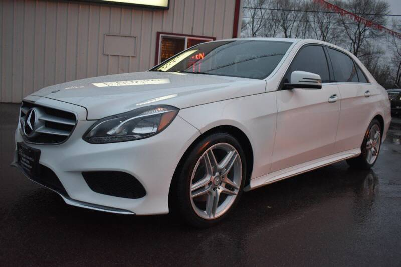 2014 Mercedes-Benz E-Class for sale at Dealswithwheels in Inver Grove Heights MN