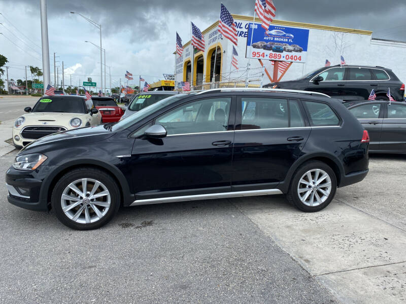 2017 Volkswagen Golf Alltrack for sale at INTERNATIONAL AUTO BROKERS INC in Hollywood FL