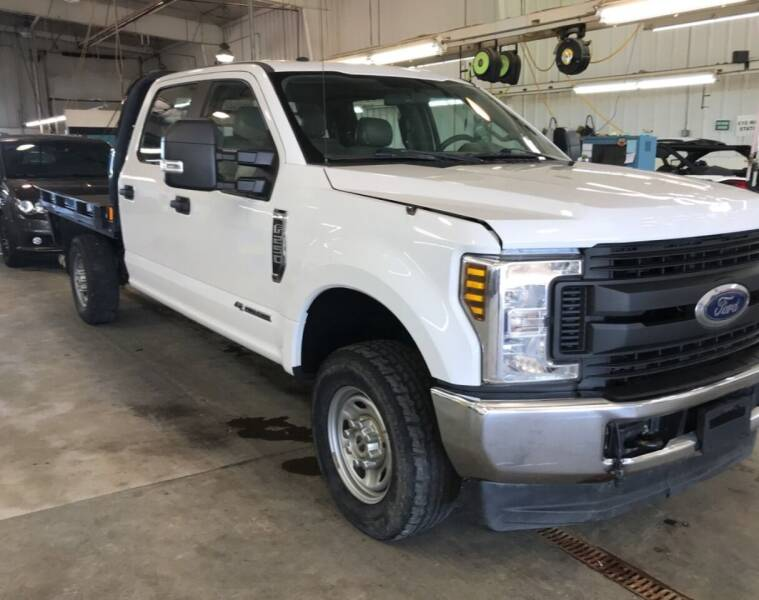 2018 Ford F-250 Super Duty for sale at KA Commercial Trucks, LLC in Dassel MN