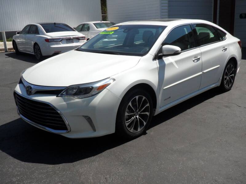 2018 Toyota Avalon Hybrid for sale at T & S Auto Brokers in Colorado Springs CO