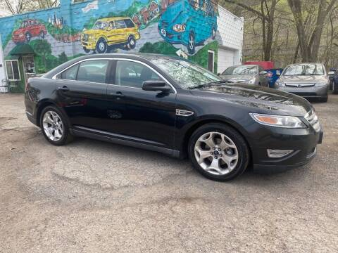 2010 Ford Taurus for sale at Showcase Motors in Pittsburgh PA