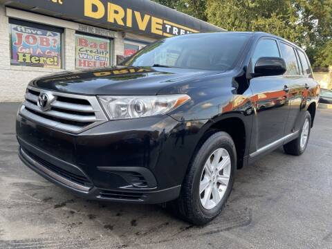 2012 Toyota Highlander for sale at DRIVE TREND in Cleveland OH