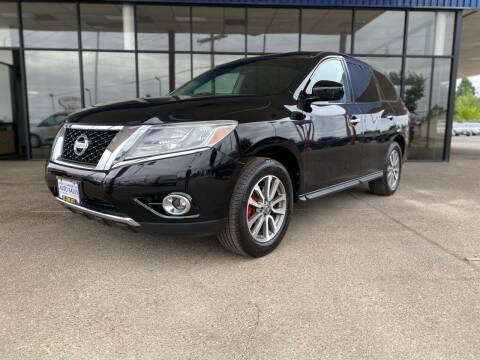 2013 Nissan Pathfinder for sale at South Commercial Auto Sales in Salem OR
