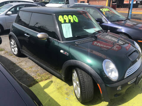 2003 MINI Cooper for sale at American Dream Motors in Everett WA