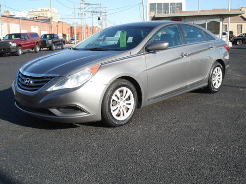 2011 Hyundai Sonata for sale at Shelton Motor Company in Hutchinson KS