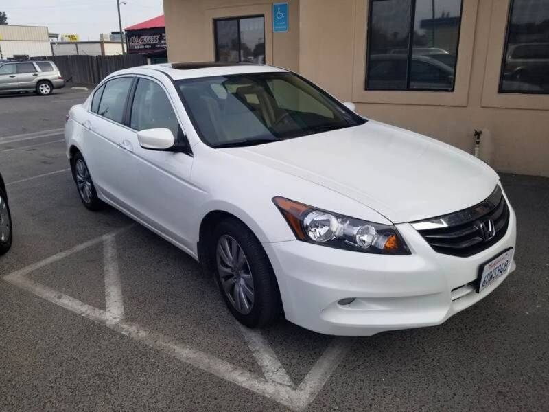 2012 Honda Accord for sale at Showcase Luxury Cars II in Pinedale CA