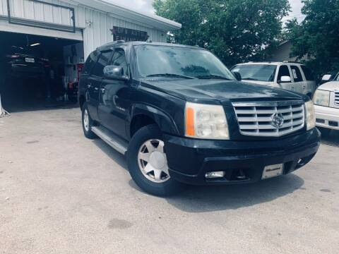 2005 Cadillac Escalade for sale at DFW AUTO FINANCING LLC in Dallas TX
