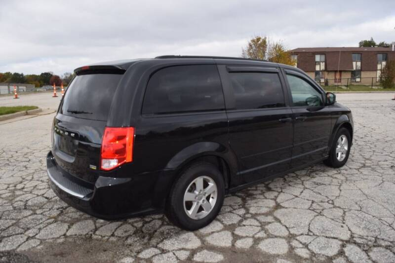 2012 Dodge Grand Caravan SXT 4dr Mini-Van - Waukesha WI