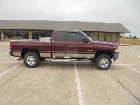 2000 Dodge Ram Pickup 2500 for sale at MANGUM AUTO SALES in Duncan OK