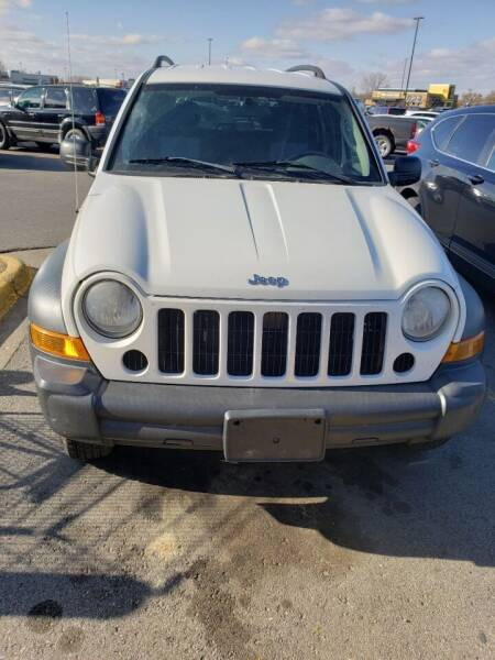 2007 Jeep Liberty for sale at P & T SALES in Clear Lake IA