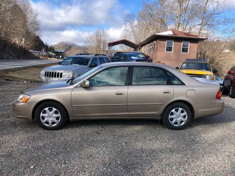 2000 Toyota Avalon for sale at R C MOTORS in Vilas NC
