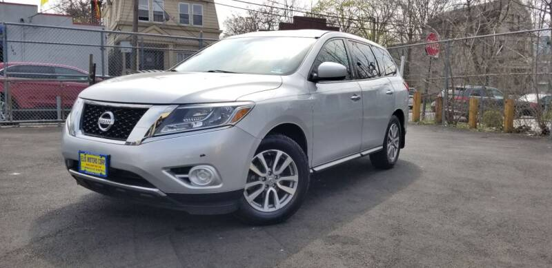 2015 Nissan Pathfinder for sale at Elis Motors in Irvington NJ