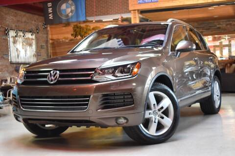2012 Volkswagen Touareg for sale at Chicago Cars US in Summit IL