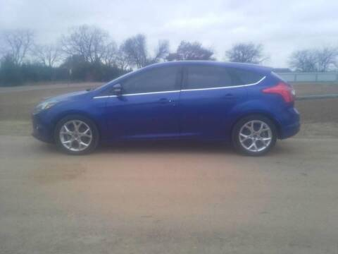 2013 Ford Focus for sale at CAVENDER MOTORS in Van Alstyne TX