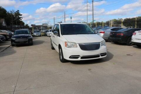 2013 Chrysler Town and Country for sale at F & M AUTO SALES in Detroit MI