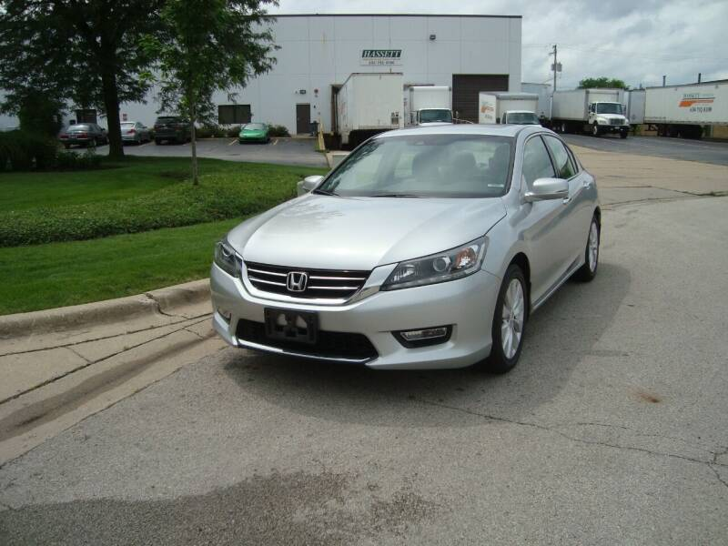 2013 Honda Accord for sale at ARIANA MOTORS INC in Addison IL