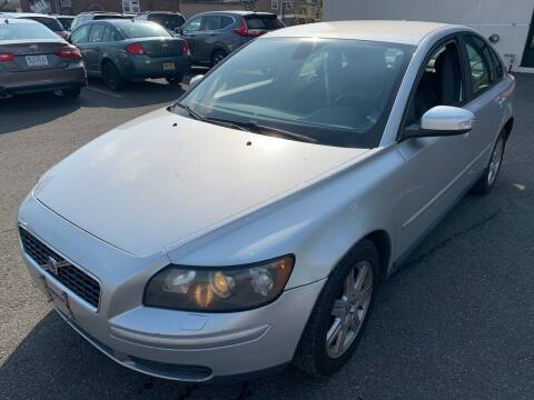 2007 Volvo S40 for sale at MAGIC AUTO SALES in Little Ferry NJ