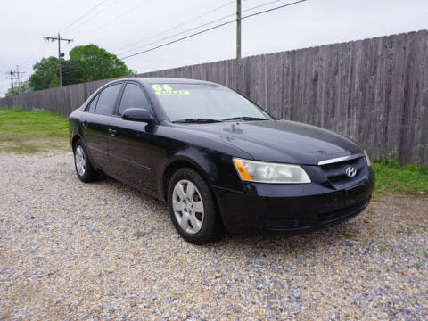 2006 Hyundai Sonata for sale at BLUE RIBBON MOTORS in Baton Rouge LA