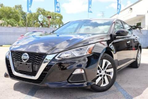 2020 Nissan Altima for sale at OCEAN AUTO SALES in Miami FL