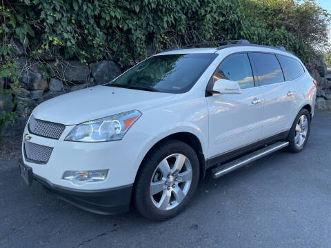 2011 Chevrolet Traverse for sale at APX Auto Brokers in Lynnwood WA