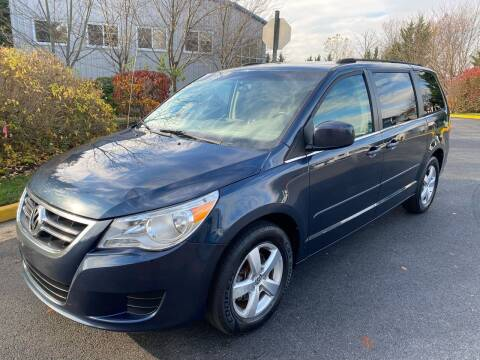 2009 Volkswagen Routan for sale at Dreams Auto Group LLC in Sterling VA